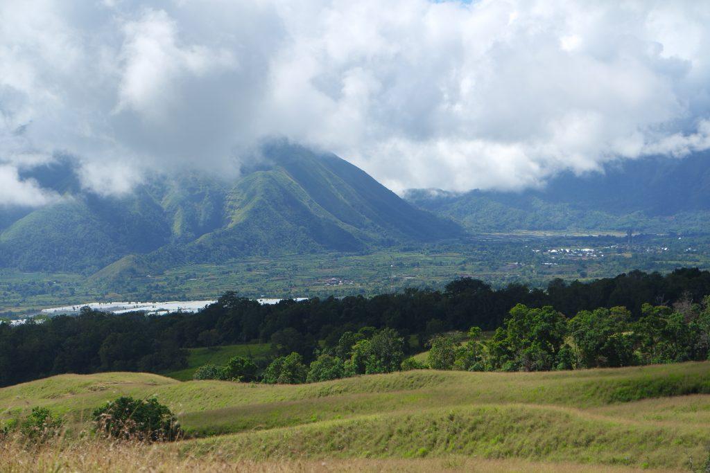 View trekking saat menuju Pos 1 Sembalun