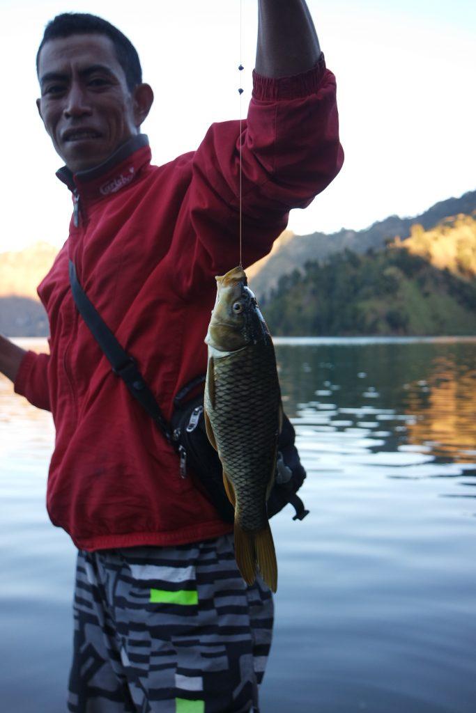 Hasil memancing di Danau Segara Anak