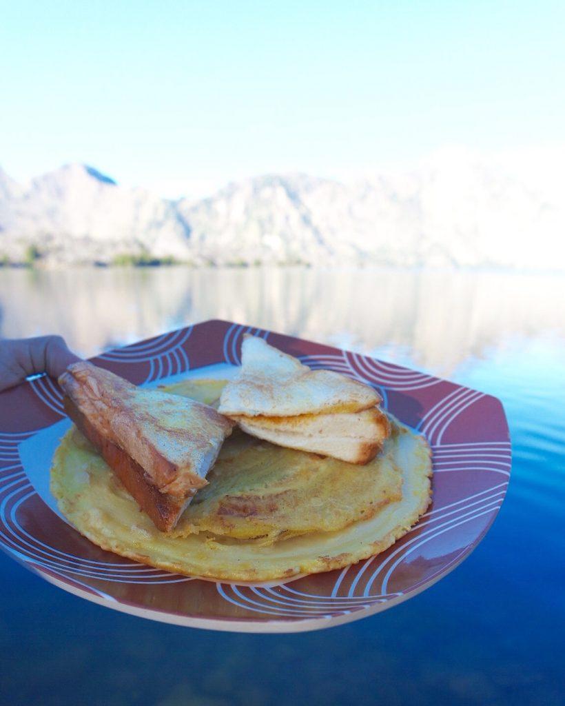 Sarapan Pagi Pancake Pisang & Roti Panggang
