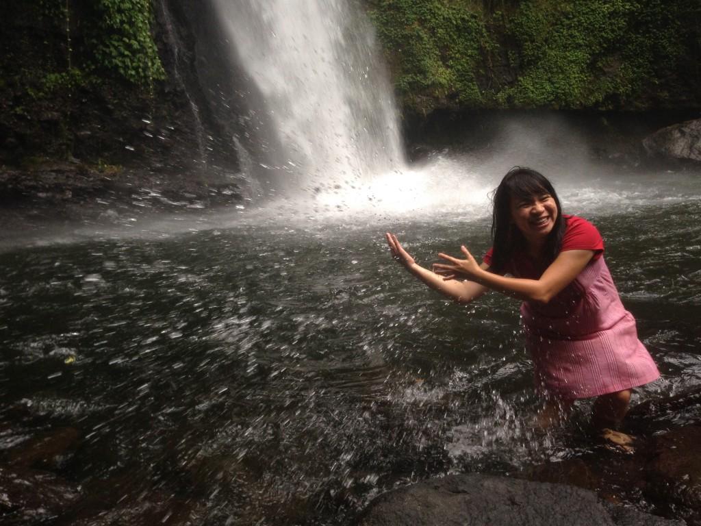Bahagia adalah bermain bersama alam