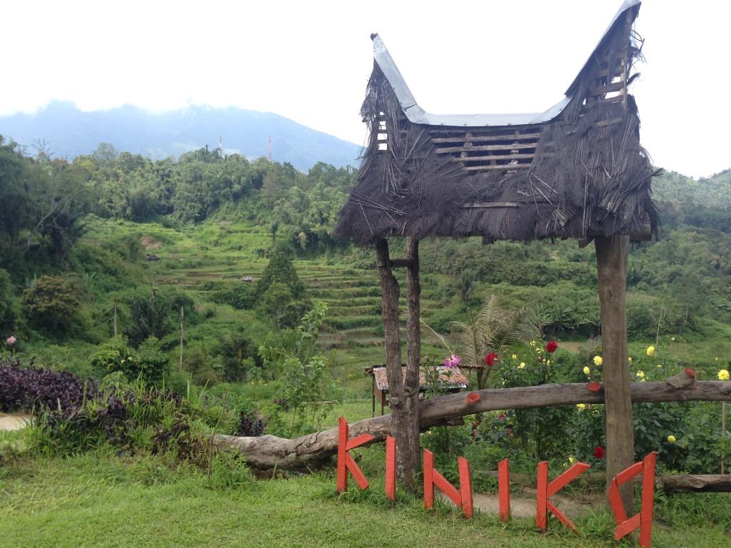 View Kiniko bagian belakang