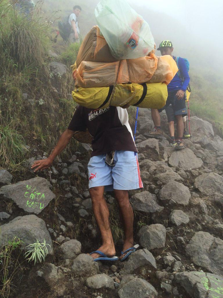Medan Pendakian dari Plawangan Sembalun menuju Danau Segara Anak